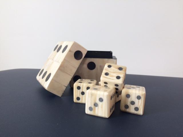 Dés et dominos